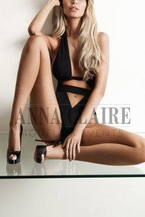 Zurich elite escorts model Anaïs, high-class Swiss escort companion