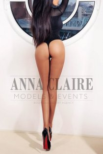 London luxury courtesan Isabelle, elite Latina GFE date