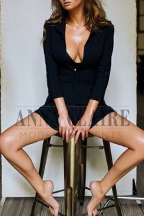 Mykonos VIP escorts model Kristina, luxury natural image model and dinner date companion